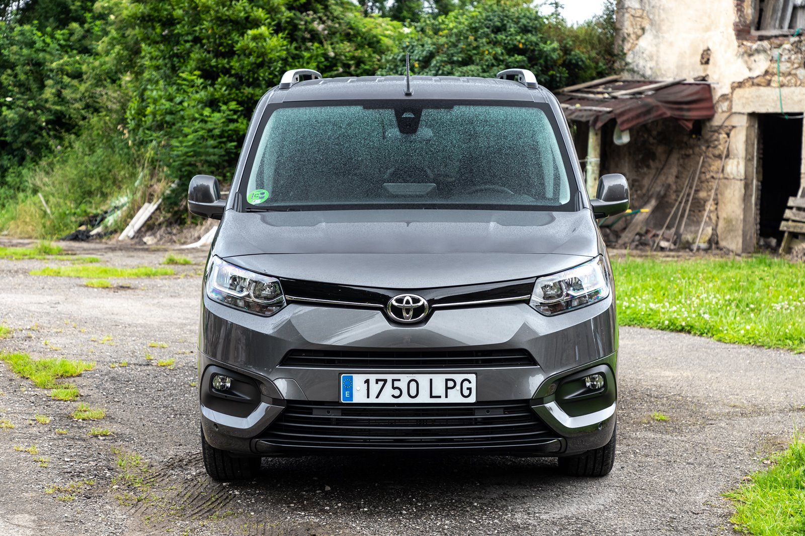 Frontal Toyota Proace City Verso Family L2