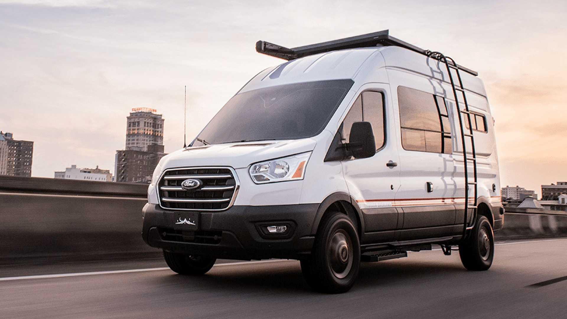 EL Storyteller Overland Ford Transit Mode LT presume de un completo equipamiento