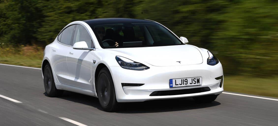 El Tesla Model 3, líder en Reino Unido durante junio: Fiesta y Corsa caen