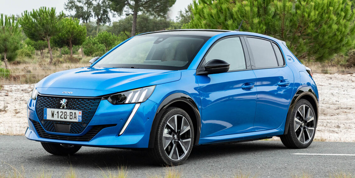 Renault ZOE y Peugeot e-208, los eléctricos más vendidos en Francia: Tesla se estrella