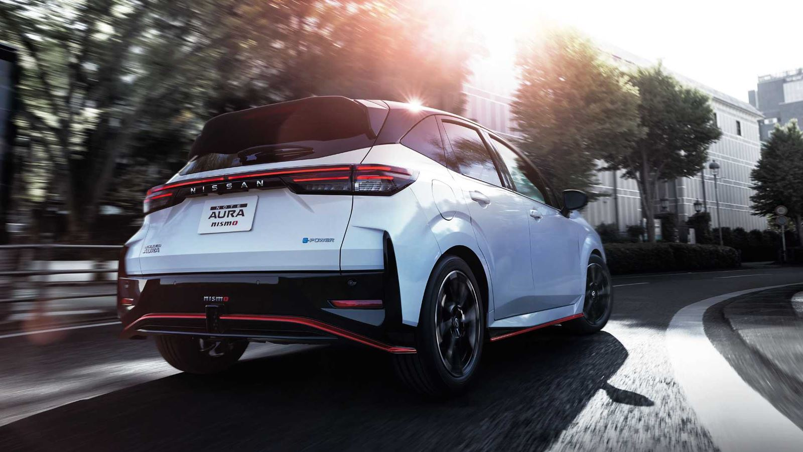 Nissan Note Aura NISMO trasera