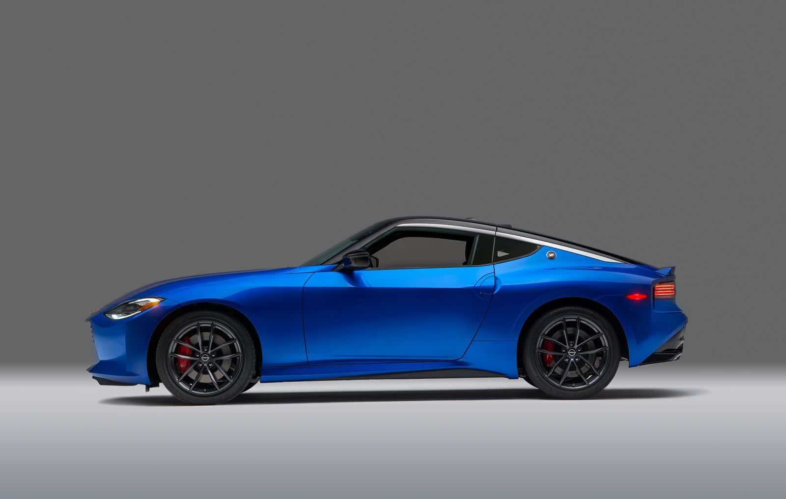 Nissan Z Azul lateral