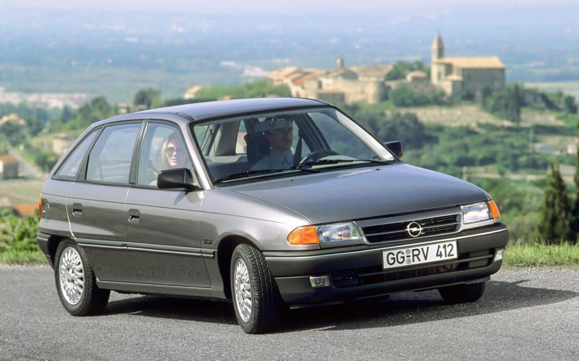 El Opel Astra cumple 30 años, ¿has tenido alguna de las generaciones?