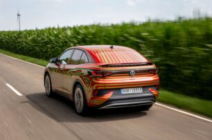 El Volkswagen ID.5 GTX será realidad en un mes