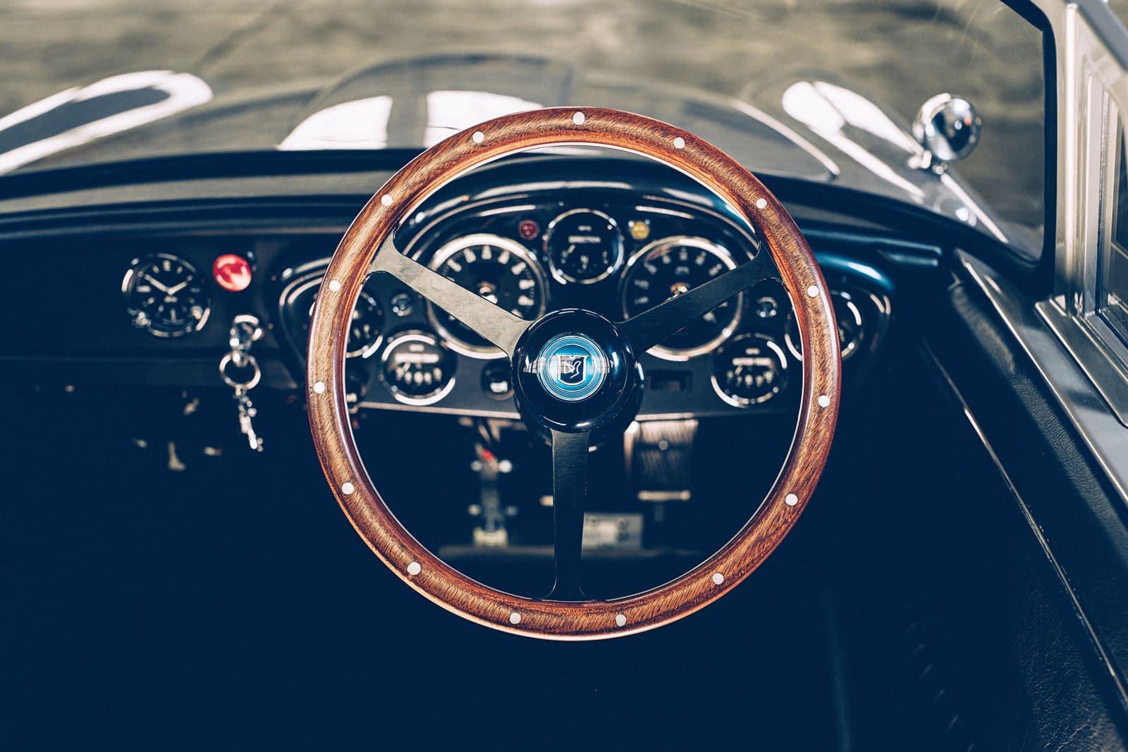 interior Aston Martin DB5 Junior