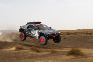 ¡Pintaza! El Audi eléctrico que competirá en el Dakar inicia las pruebas en Marruecos