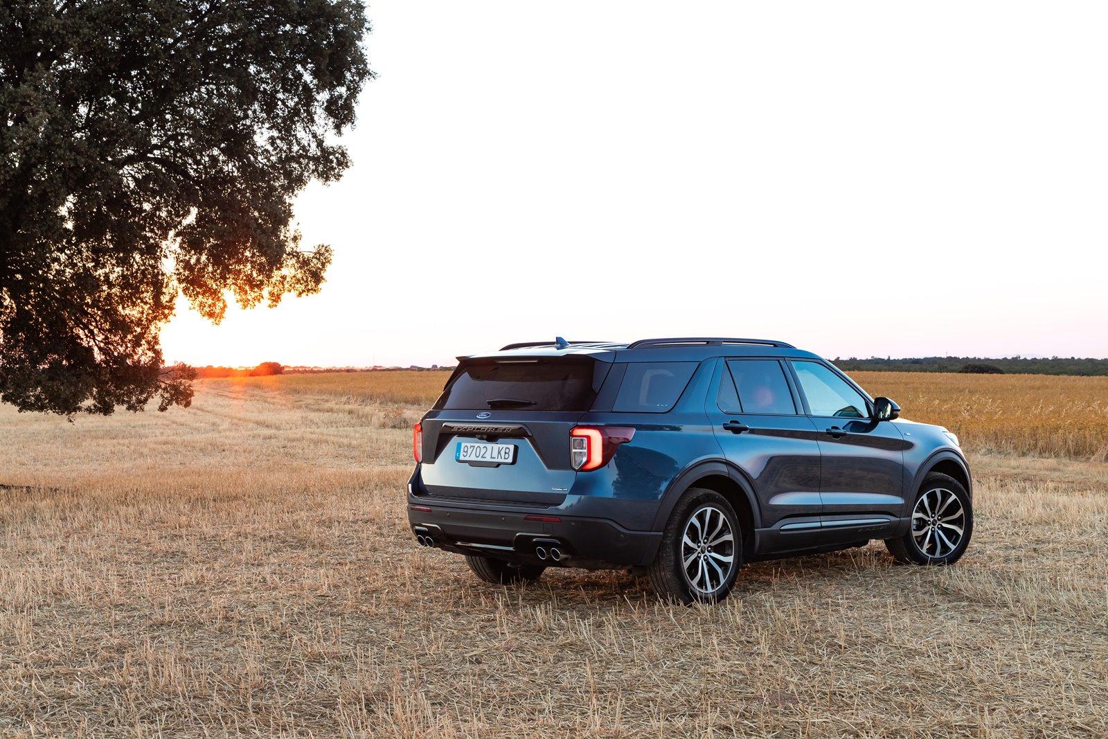 Nos ponemos al volante del Ford Explorer 3.0 PHEV AWD