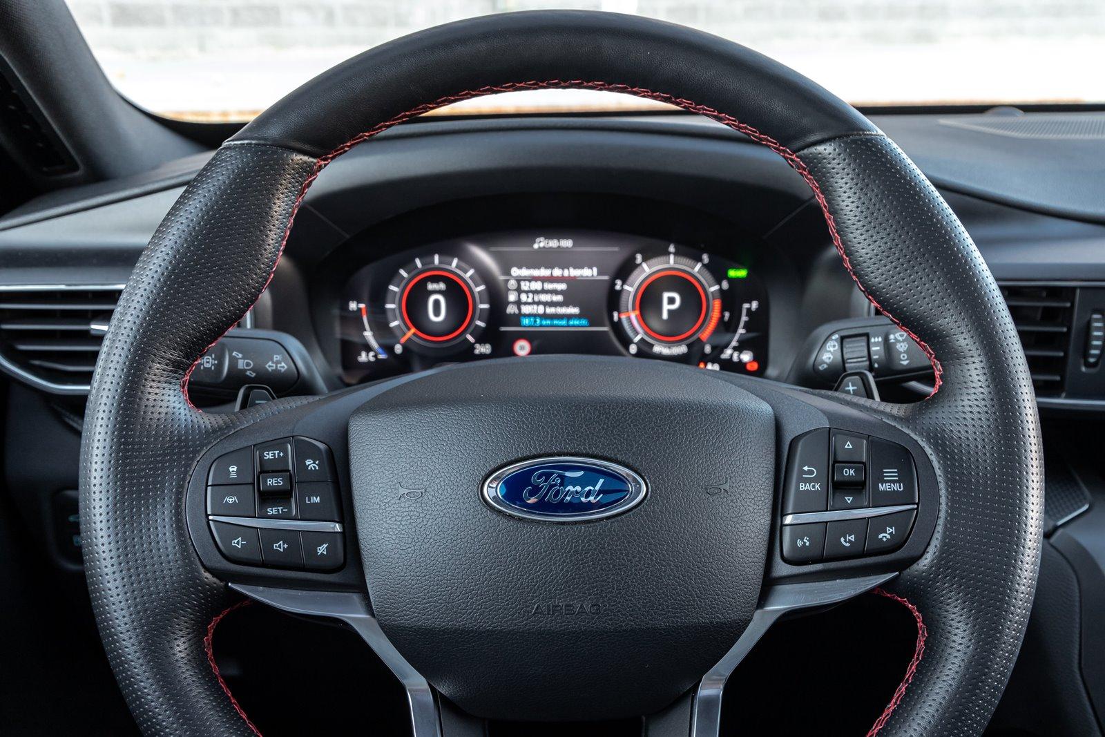 Volante Ford Explorer 3.0 PHEV AWD