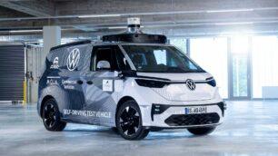 Volkswagen ID. Buzz AD: es eléctrica y se conduce sola
