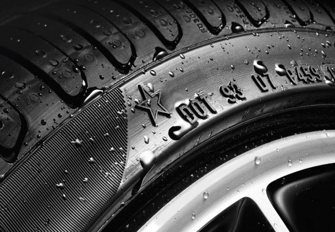 ¿Eres de los que limpia o realiza algún tipo de detailing sobre los neumáticos?