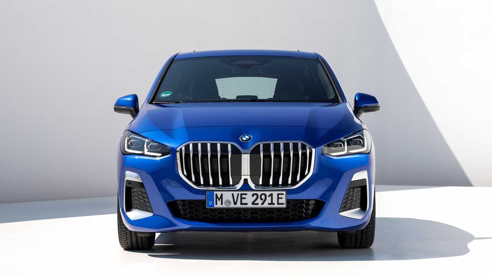 BMW Serie 2 Active Tourer frontal azul