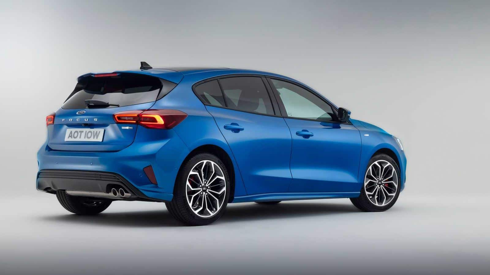 Ford Focus azul restyling