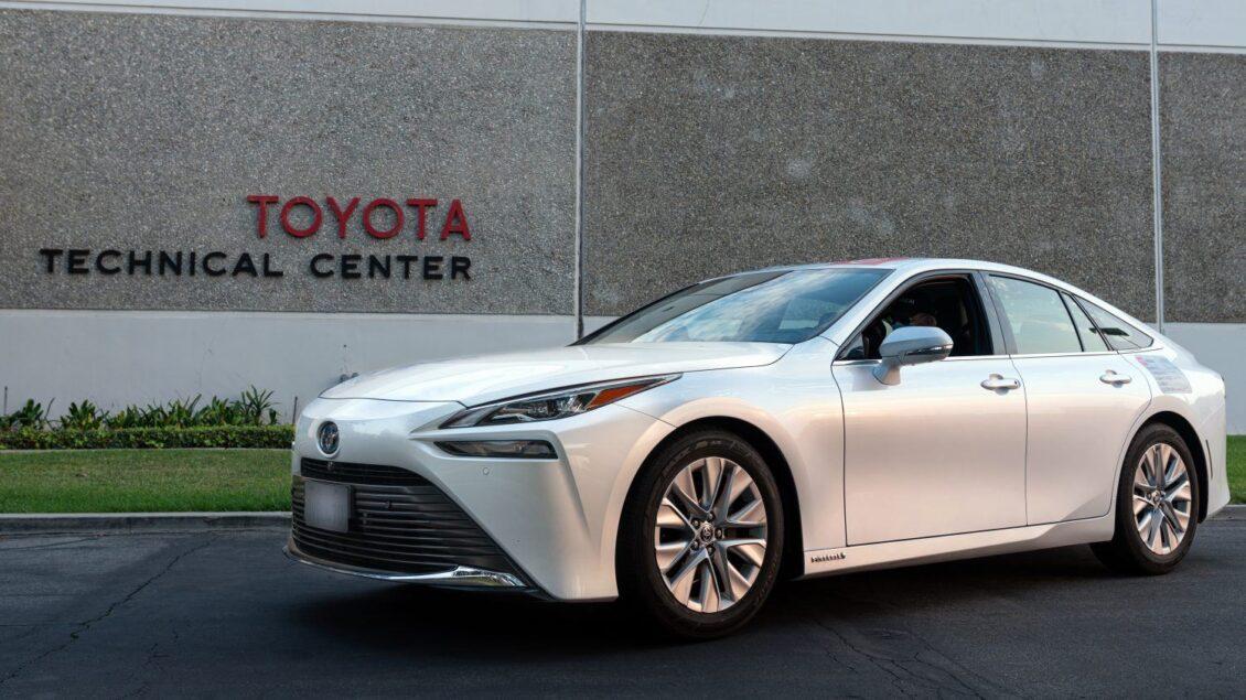 Toyota acerca el hidrógeno a todos con un nuevo récord Guinness: 1360 km con una sola carga