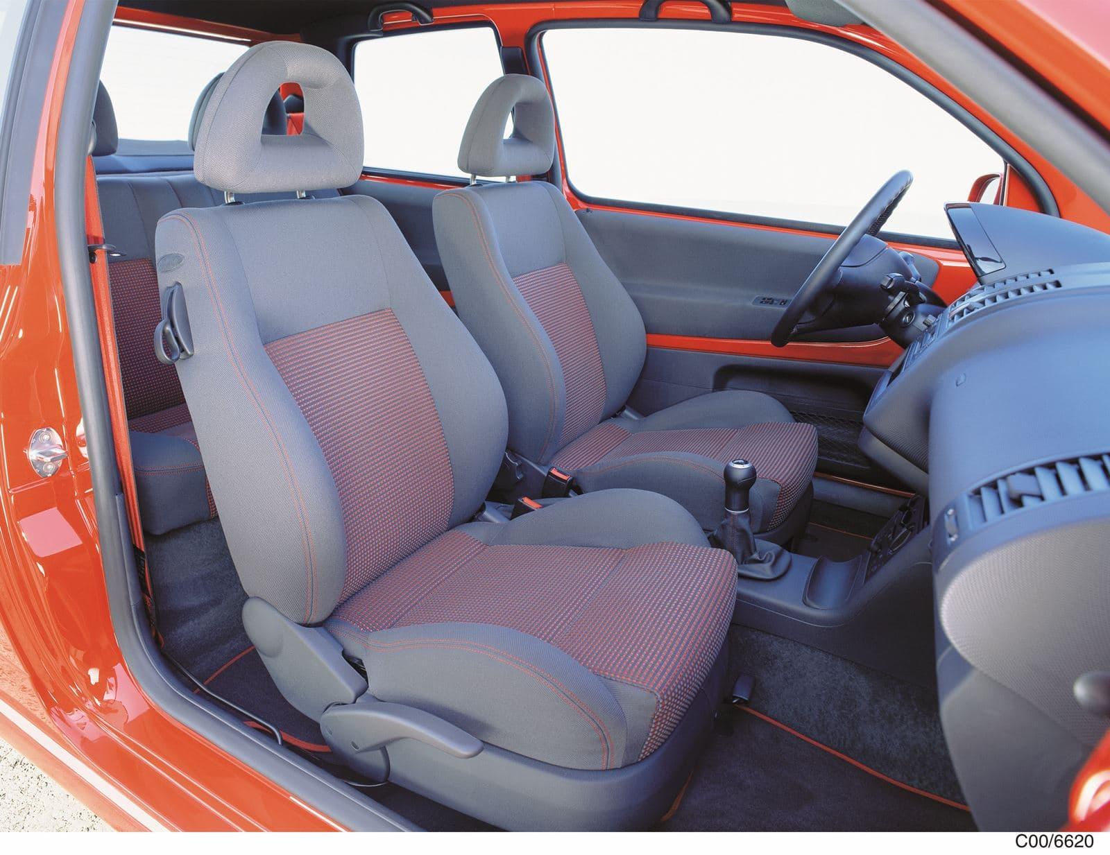Volkswagen Lupo GTI interior