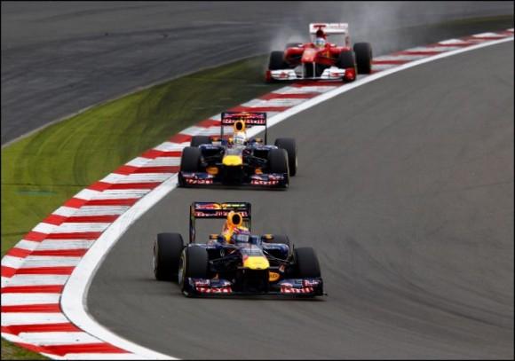 Hamilton culmina su gesta y se impone en Alemania por delante de Alonso y los Red Bull