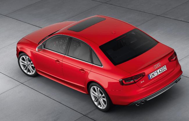 Audi S4 Berlina y Avant: Línea de elegante deportividad