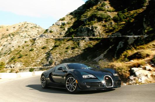 A Bugatti todavía le quedan muchos Veyrons por vender