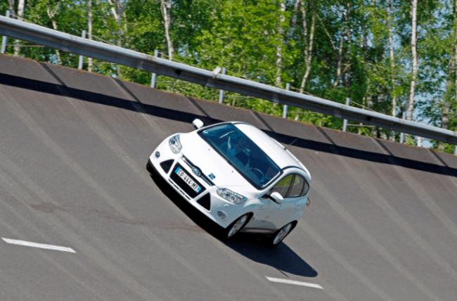El Ford Focus EcoBoost 1.0 litros bate 16 Récords Mundiales