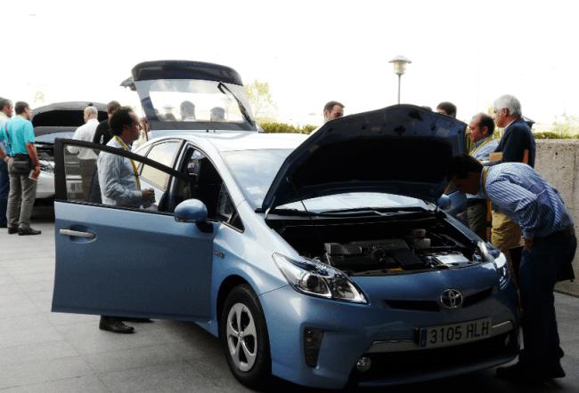 Toyota da luz a los técnicos de ITV sobre los híbridos
