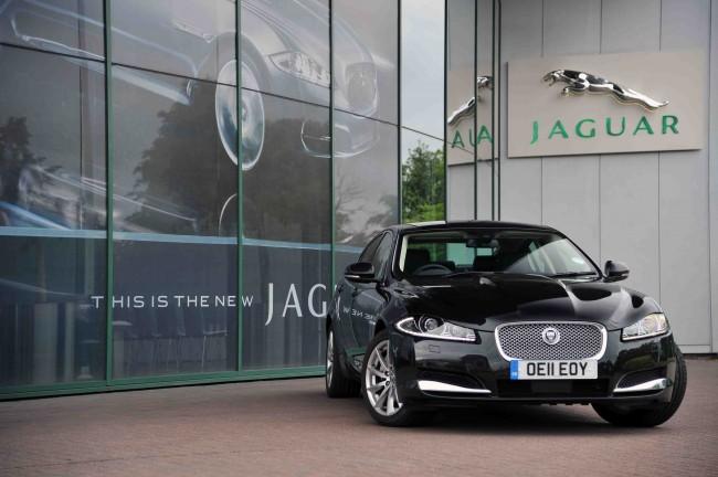 Un Jaguar que gasta sólo 4.8 litros a los 100