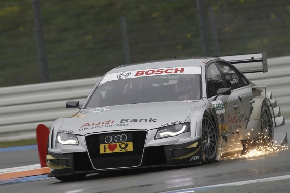 Triunfo del piloto alemán de DTM Mike Rockenfeller en el circuito holandés de Zandvoort