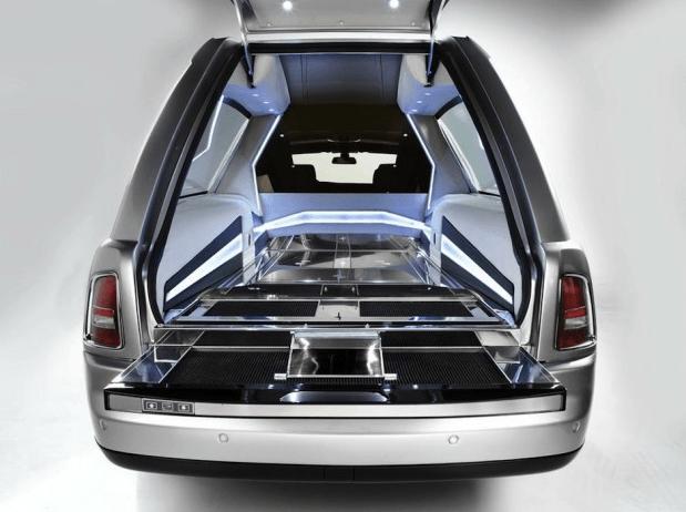 Monta en un Rolls-Royce antes de irte de este mundo