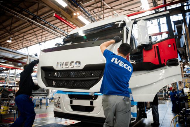 Iveco España implanta la formación dual