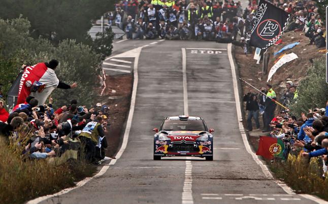 Loeb y Citroën terminan la temporada con un victoria