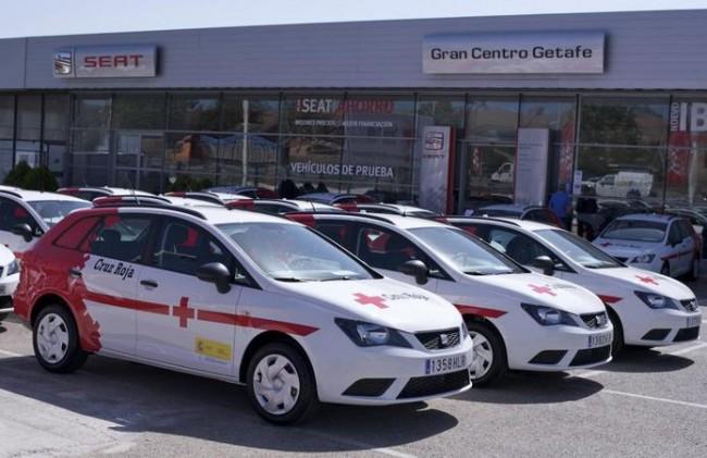 SEAT entrega  31 vehículos a la Cruz Roja Española