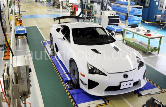 Sale de la cadena de producción el último Lexus LFA