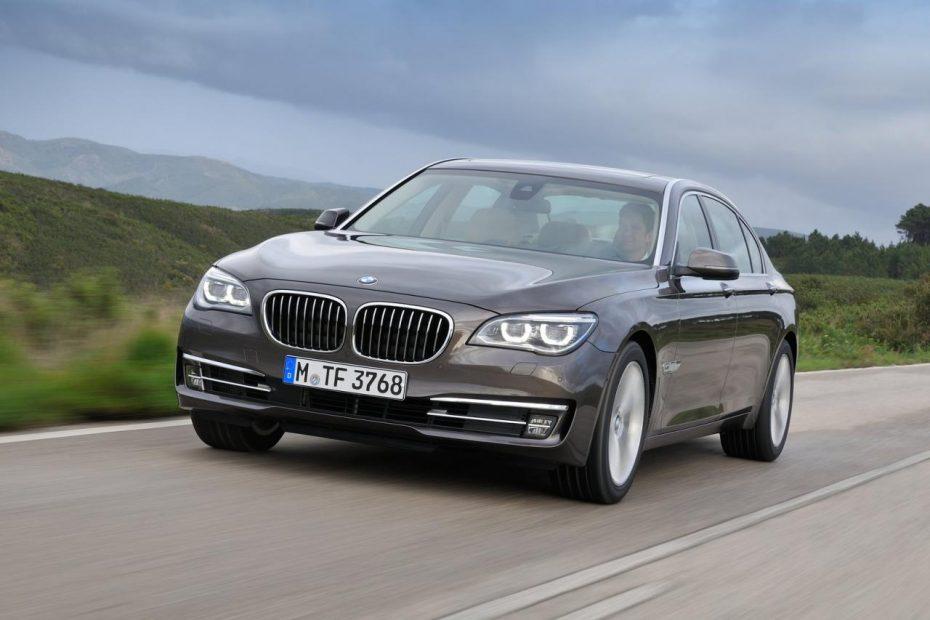 El BMW Serie 7 se somete a su primer restyling