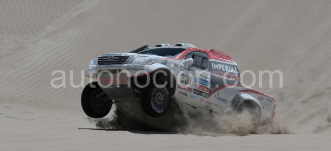 De Villiers, Von Zitzawitz y Toyota Hilux segundos en el Rally Dakar 2013