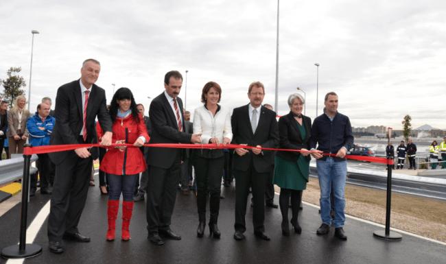 Inauguración de una pista de pruebas en la factoría de Volkswagen de Navarra