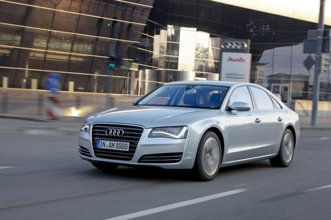 Llega la versión híbrida y el nuevo motor 4.0 TFSI en el Audi A8