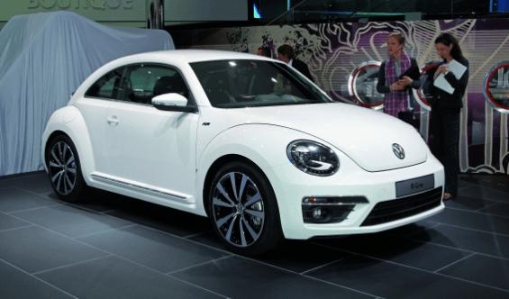 Volkswagen: Cross Coupé y R-Line para el Passat y el Beetle