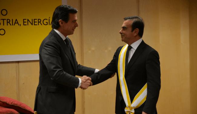 Carlos Ghosn recibe la Gran Cruz de la Orden de Isabel la Católica
