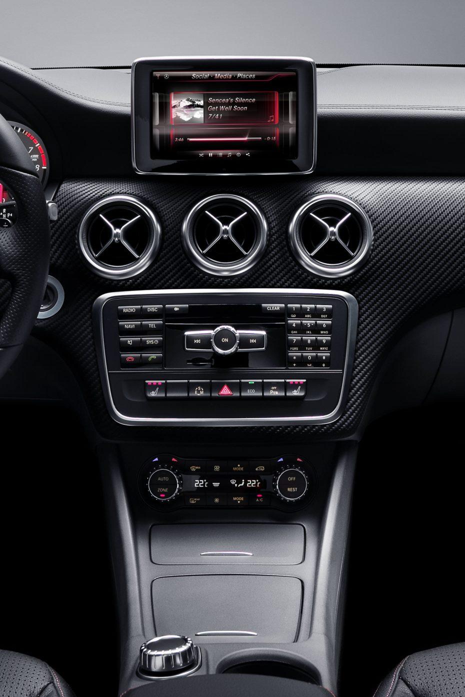 Mercedes muestra unas imágenes del interior de su nueva Clase A