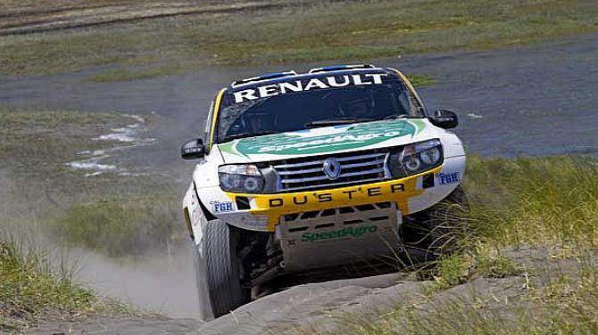 La versión radicalizada del Duster será la elegida por dos equipos en el Dakar 2013