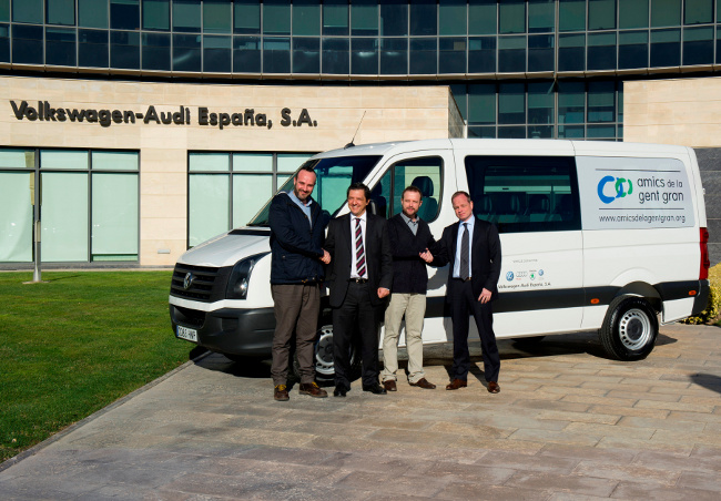 VW-AUDI España dona un Crafter a la Fundació Amics de la Gran Gent