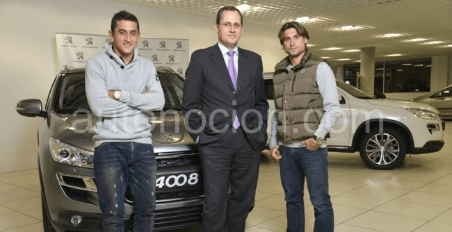David Ferrer y Nicolás Almagro reciben sus nuevos Peugeot 4008