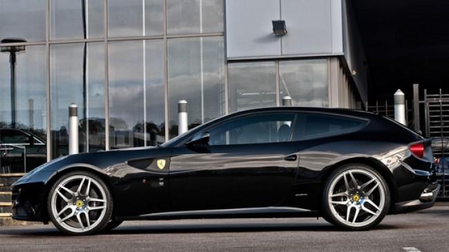 Khan lanza nuevas llantas para el Ferrari FF
