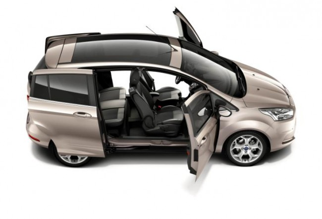 Ford presenta el sistema de puertas de acceso fácil del nuevo B-MAX
