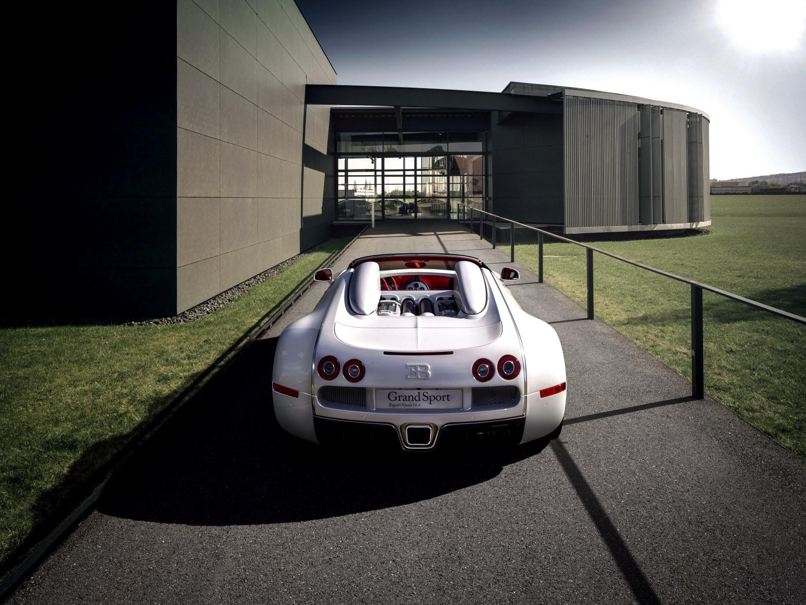 bugatti veyron grand sport wei long lujo y exclusividad en pek n. Black Bedroom Furniture Sets. Home Design Ideas