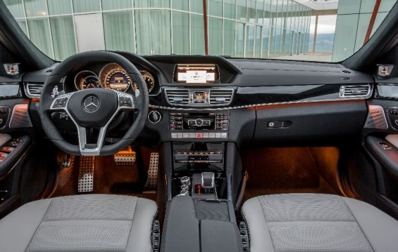interior mercedes benz amg e63