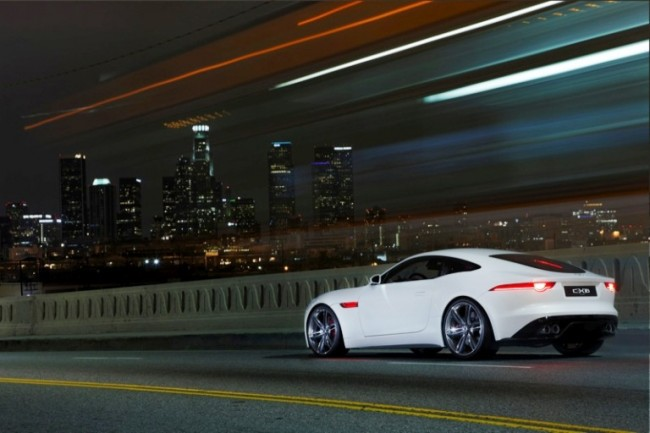 El Jaguar C-X16 deslumbra en Los Angeles