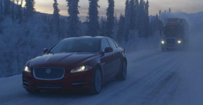Un paseo por el ártico a los mandos de un Jaguar XJ AWD