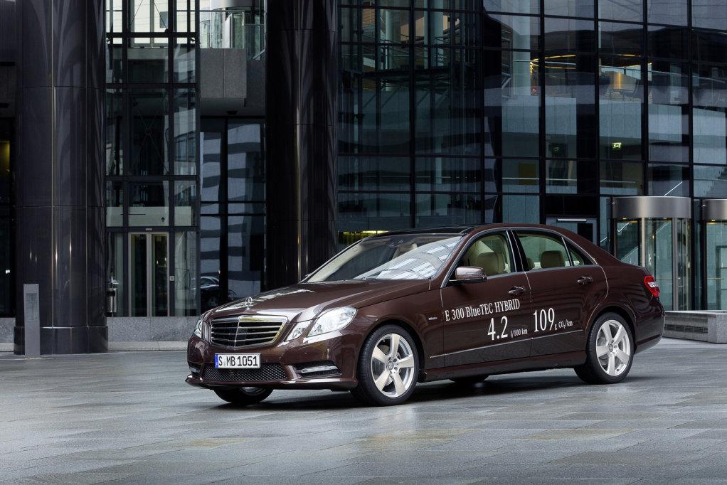 Mercedes-Benz presenta los nuevos híbridos de la Clase E