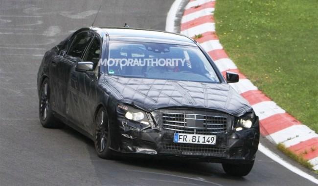 El futuro Clase S ya rueda en Nürburgring