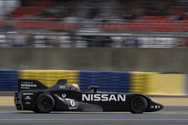 El Nissan Deltawing completa sus vueltas en Le Mans