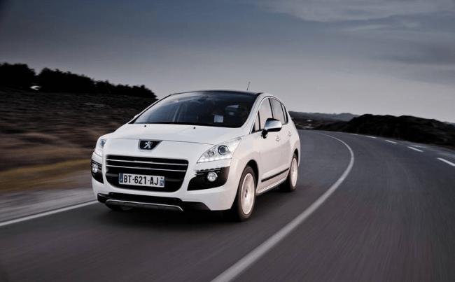 Un Peugeot HYbrid4 por 200 euros al mes